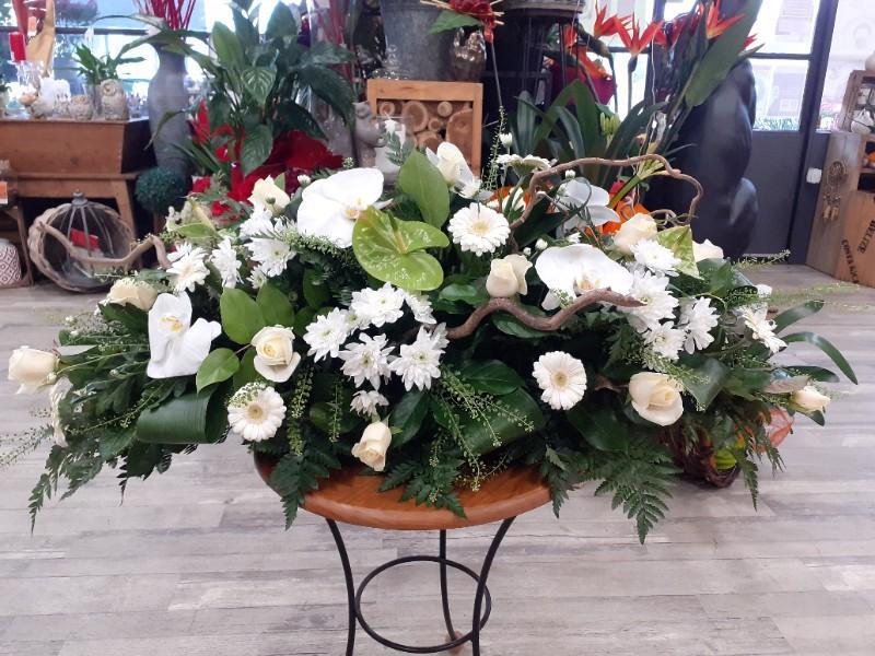 Dessus de cercueil traditionnel, une pièce indispensable pour un dernier hommage